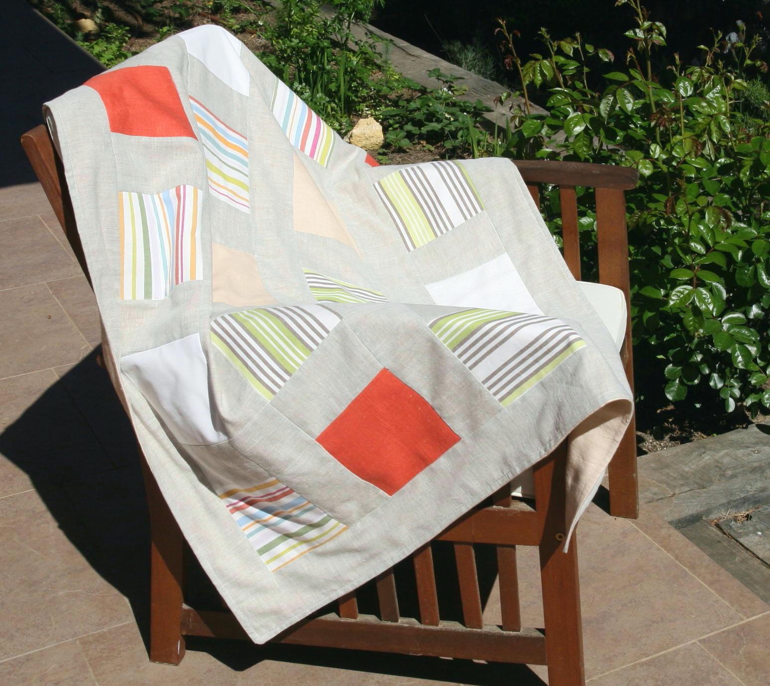 Colcha de patchwork fresca y moderna en tela de lino