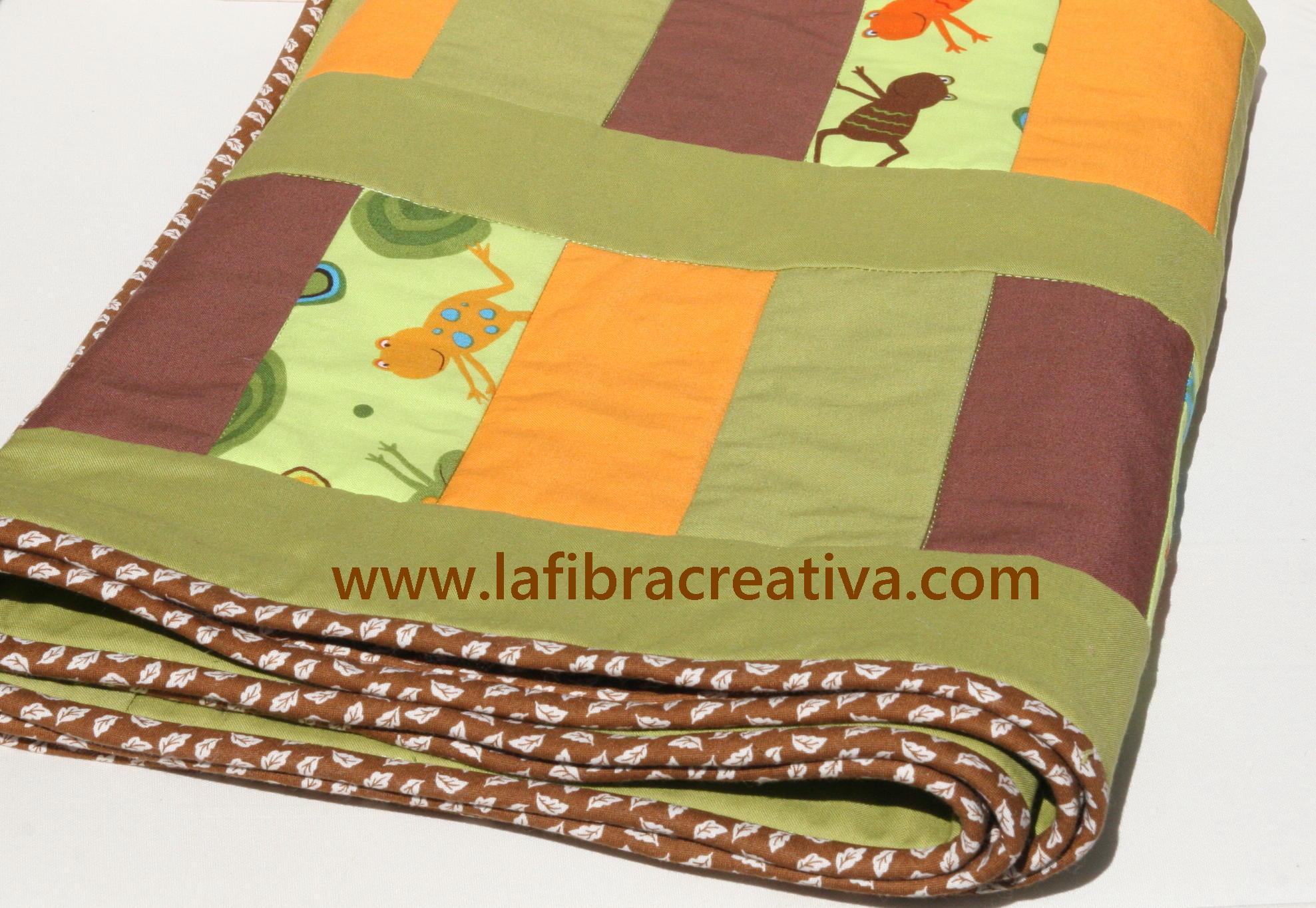 colcha quilt patchwork verde marrón naranja ranas