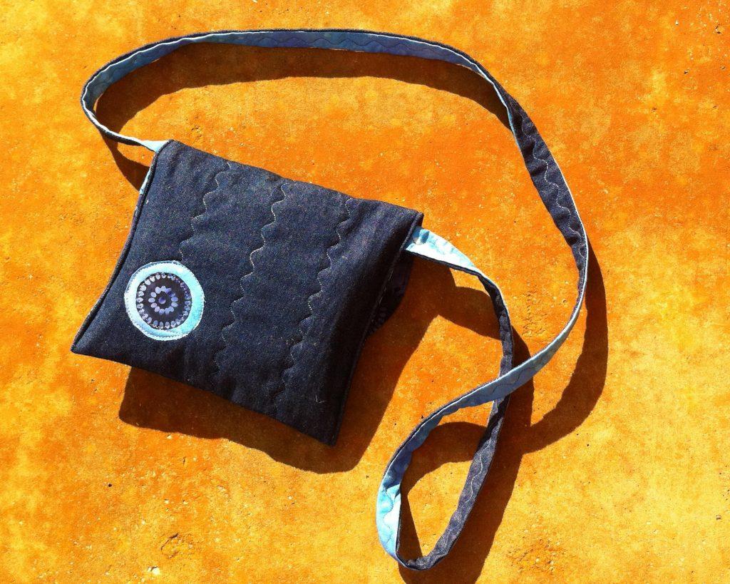 Bolso tela tejana y batik con aplicaciones