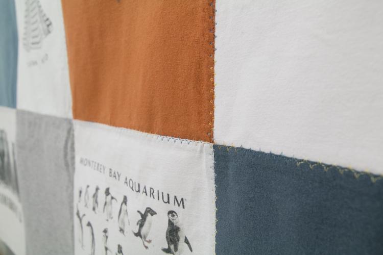 detalle colcha de camisetas recicladas Fibra Creativa