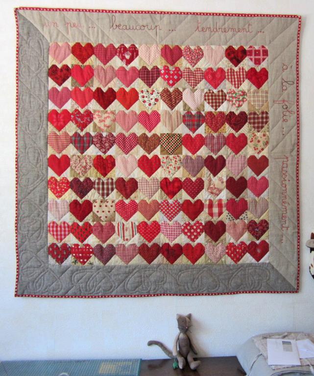 quilt de patchwork avec 100 coeurs et bordures en lin