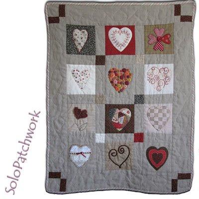patchwork en lin avec coeurs Saint Valentin
