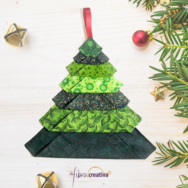 Arbol de Navidad en tela para colgar patchwork fácil